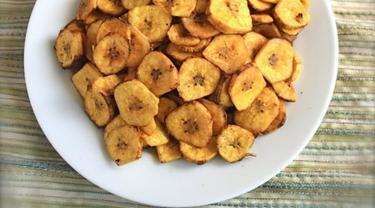 Keripik Pisang Panggang | via: buzzfeed.com