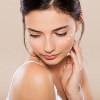 Ilustrasi eye cream/copyright shutterstock