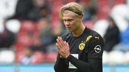 11. Erling Haaland (Borussia Dortmund) - Penyerang Norwegia ini menjadi salah satu calon kuat peraih Golden Boy 2020. Haaland tercatat sukses menceploskan 44 gol dalam 40 penampilan untuk RB Salzburg dan Borussia Dortmund di semua kompetisi. (AFP/Christof Stache)