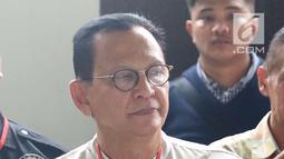 Aktor Roy Marten saat menghadiri sidang kasus narkoba Tio Pakusadewo di PN Jakarta Selatan, Kamis (7/6). Sidang beragendakan pledoi. Sidang yang beragendakan pledoi atau pembacaan pembelaan dari Tio Pakusadewo. (Liputan6.com/Immanuel Antonius)