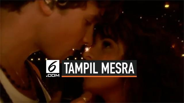 Penampilan perdana Shawn Mendes dan Camila Cabello sebagai pasangan kekasih. Mereka juga membawakan lagu Senorita untuk pertama kalinya di depan publik.