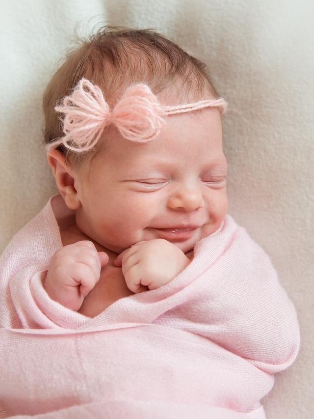 45 Nama Bayi Perempuan 2 Suku Kata Islami Simpel Dan Penuh Makna