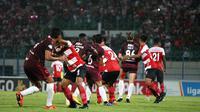 Duel Madura United vs PSM di Stadion Gelora Bangkalan, Bangkalan, Senin (29/10/2018). (Bola.com/Abdi Satria)