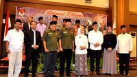 Empat pasangan calon walikota dan wakil walikota Bengkulu yang akan bertarung dalam Pilkada langsung pada bulan Juni 2018 (Liputan6.com/Yuliardi Hardjo)