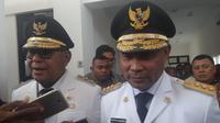 Gubernur Nusa Tenggara Timur (NTT) Viktor Laiskodat mengancam akan mematahkan kaki para pelaku perdagangan orang atau human trafficking.