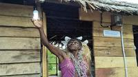 PLTS di Kampung Enem merupakan bagian dari program 51 Desa Baru Terlistriki di wilayah Papua dan Papua Barat. Liputan6.com/Septian Deny
