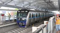 Kereta MRT berada di stasiun Lebak bulus Jakarta, Senin (25/2). Pada 5 Maret nanti pihak Kereta MRT akan membuka pendaftaran uji coba umum. Dengan begitu, masyarakat bisa mengikuti progres pembangunan.(Www.sulawesita.com)