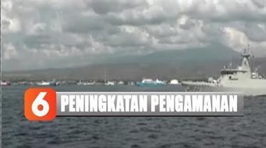 Petugas berpatroli secara estafet mengelilingi Selat Bali mengantisipasi tindak kejahatan di wilayah perairan laut.