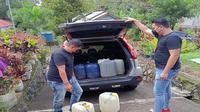 Polres Tomohon kembali mengamankan ratusan liter minuman keras jenis Cap Tikus tanpa izin, Kamis (22/07/2021).