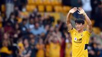 Gelandang Timnas Korea, Hwang Hee-chan, berhasil mencetak gol sekaligus membantu Wolverhamton Wanderers menang 2-0 di Premier League 2021/2022. (AFP/Oli Scarft)