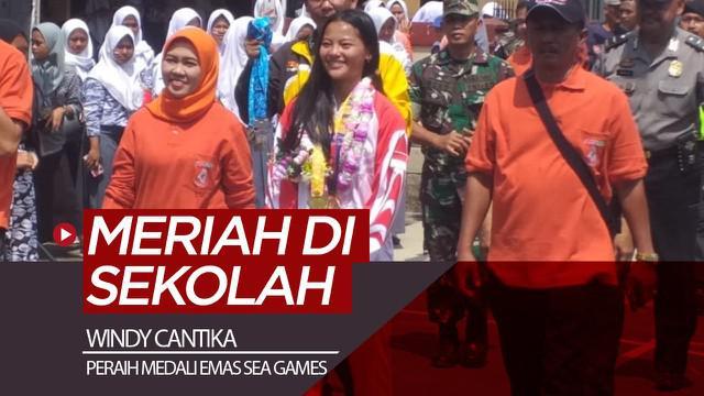 Berita video lifter Indonesia peraih medali emas SEA Games 2019, Windy Cantika, disambut meriah di sekolahnya di SMA Handayani 1, Pameungpeuk, Kabupaten Bandung, Sabtu (14/12/2019).