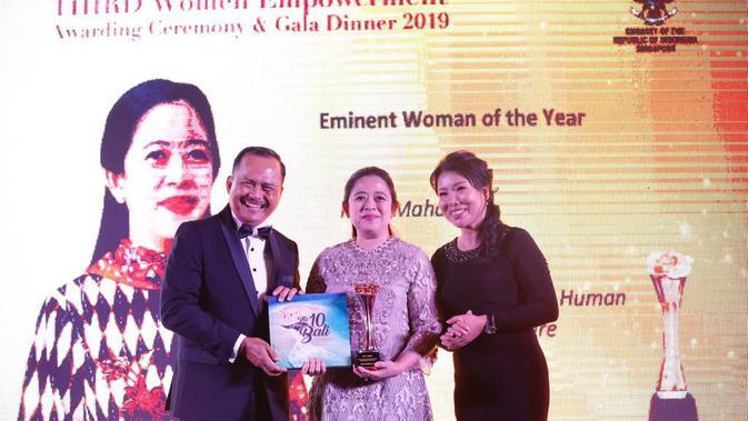 Sebanyak 12 perempuan dari Indonesia dan Singapura menerima penghargaan