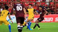 PSM Makassar menang 2-0 atas Bhayangkara pada leg kedua babak 8 Besar Piala Indonesia 2019 di Stadion Andi Mattalatta Matoangin, Jumat (3/5/2019). (Bola.com/Abdi Satria)