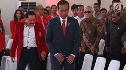 Presiden Joko Widodo (Jokowi) menghadiri penutupan kongres luar biasa Partai Keadilan dan Persatuan Indonesia (PKPI) di Jakarta, Senin (14/5). Kongres itu menetapkan Diaz Faisal Malik Hendropriyono sebagai ketua umum baru PKPI. (Liputan6.com/Angga Yuniar)