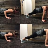 Tak perlu melakukan gerakan yang sulit. Kamu akan mendapatkan perut yang rata dengan gerakan pilates yang mudah ini. | via: womenhealthmagazine.com