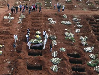 Lubang Pemakaman Disiapkan untuk Korban Corona di Sao Paulo