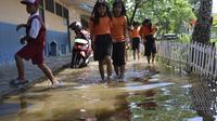 Salah satu sekolah dasar di Palembang yang rutin terendam banjir (Liputan6.com / Nefri Inge)