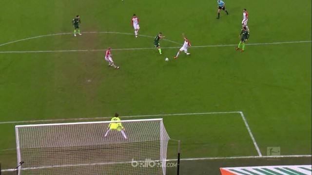 Penyerang asal Aljazair, Ishak Belfodil menjadi bintang laga berkat torehan dua gol dan assist untuk membantu Werder Bremen menumb...