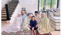Kumpul Keluarga, Ini 6 Momen Haru BCL Ziarah ke Makam Ashraf hingga Rayakan Lebaran (sumber: Instagram.com/bclsinclair)