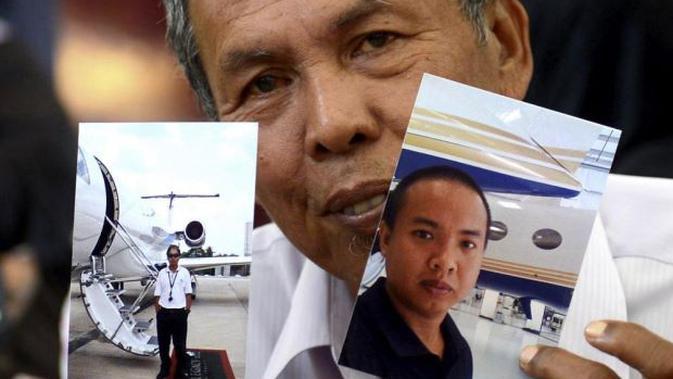 Foto Teknisi Pesawat MH370 Mohd Khairul Amri Selamat yang ditunjukkan sang ayah (Bernama)
