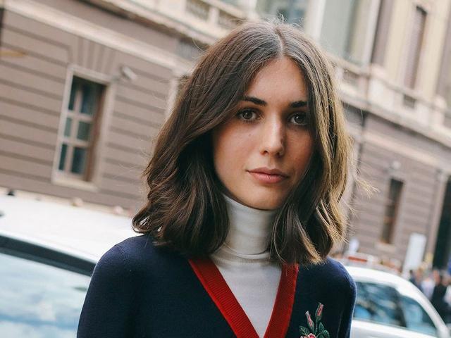 Gaya Rambut Belah Tengah Ciri Khas Perempuan Milan Yang Chic Beauty Fimela Com