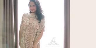 Melihat paras cantik Nagita Slavina memang tak pernah membosankan. Istri Raffi Ahmad ini selalu berhasil memikat meski tampilannya yang simple dan tidak berlebihan. (Instagram)