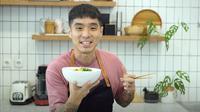 Celebrity Chef Martin Natadipraja siap obati kerinduanmu dengan makanan Singapura program Cook with Me edisi #KangenSingapura.