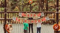 Ilustrasi ulang tahun, happy birthday (Photo by Jon Tyson on Unsplash)