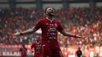 Striker Persija Jakarta, Marko Simic, merayakan gol yang dicetaknya ke gawang PSS Sleman dalam laga pekan keenam Shopee Liga 1 2019 di Stadion Patriot Candrabhaga, Bekasi, Rabu (3/7/2019). (Bola.com/Yoppy Renato