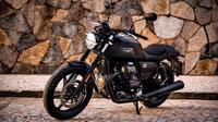 New Moto Guzzi V7 Stone. (ist)