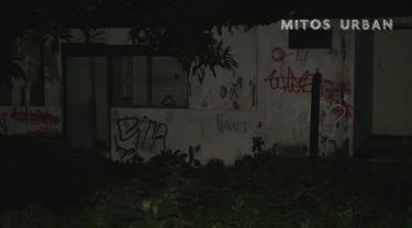 Kuntilanak yang mendiami bangunan kosong di kawasan Kelapa Dua, Kebon Jeruk merasa terganggu dengan adanya pertunjukan orkes dangdut