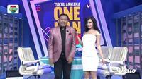 Maria Vania saat menjadi co-host One Man Show Indosiar bersama Tukul Arwana. (Vidio.com)