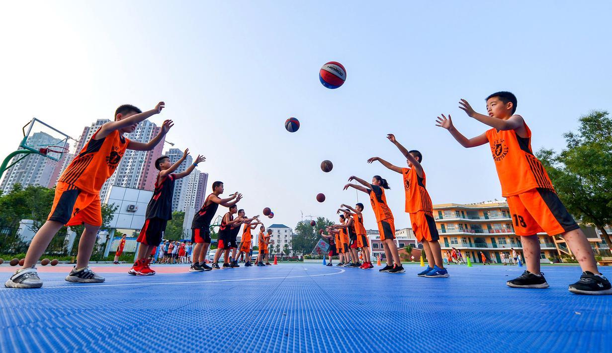 FOTO: Keseruan Siswa SD Berlatih Olahraga di Liburan Musim ...