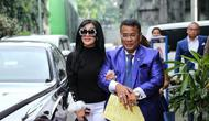 Syahrini dan Hotman Paris Hutapea (Adrian Putra/Bintang.com)