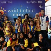 Acara nobar perayaan Hari Kanker Anak Sedunia dari Senayan City. Sumber foto: Document/Senayan City.