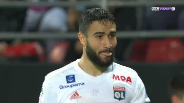 Lyon kian membuka harapan mereka tampil di Liga Champions musim depan usai mengalahkan Dijon 5-2 di Liga Prancis. Kemenangan membu...