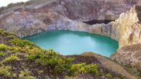 Air danau warna biru di Danau Kelimutu (Liputan6.com/Ola Keda)