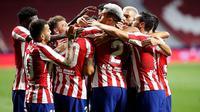 Para pemain Atletico Madrid merayakan gol Vitolo ke gawang Real Valladolid pada pekan ke-30 Liga Spanyol. Atletico menang 1-0 di Estadio Wanda Metropolitano, Minggu (21/6/2020) dini hari WIB. (foto: https://www.instagram.com/atleticodemadrid)