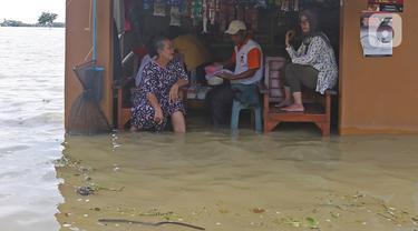 Sungai Citarum Meluap, Desa Sukalaksana di Bekasi Terendam Banjir