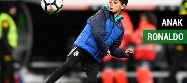 Berita video anak Cristiano Ronaldo yang memperlihatkan kemampuan yang mengesankan saat mencetak gol untuk tim Juventus U-9.
