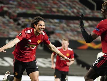 FOTO: Deja Vu 14 Tahun Silam, Manchester United Bantai AS Roma - Edinson Cavani