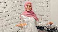 Nycta Gina membuka usaha kuliner surabi mini durian (Dok.Instagram/@missnyctagina/https://www.instagram.com/p/CF6QprDnoal/Komarudin)