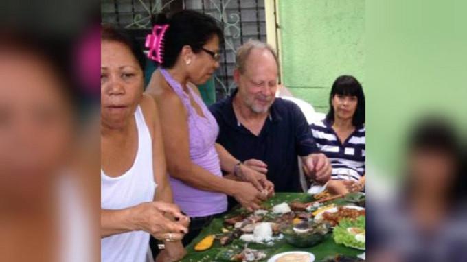 Stephen Paddock dan Marilou Denley saat berada di Manila pada tahun 2013 (Facebook)