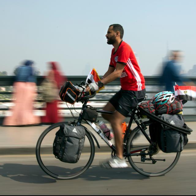 Demi Piala Dunia 2018 Pemuda Mesir Nekat Gowes 5000 Km Ke Rusia