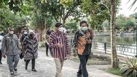 Menparekraf Sandiaga Uno berdialog dengan pelaku ekonomi kreatif Daerah Istimewa Yogyakarta di Puri Mataram, Desa Tridadi, Kabupaten Sleman. (Dok Kemenparekraf)