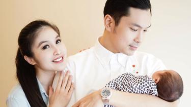 [Fimela] Sandra Dewi Melahirkan Anak Kedua