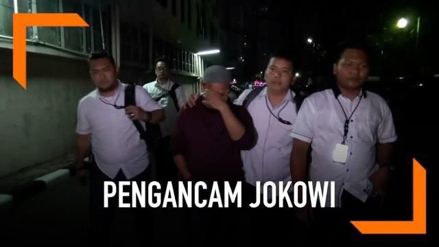 HS, tersangka pengancam Presiden Jokowi terus menjalani pemeriksaan intensif di kepolisian.