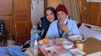 Elma Theana bersama ibundannya, Waty Siregar