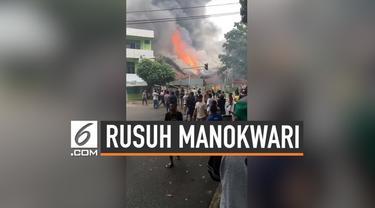 Gedung DPRD Manokwari dibakar, dan jalanan diblokade warga dengan ban terbakar. Aksi ini diduga akibat kemarahan warga Papua akan kasus yang menimpa warga Papua di Surabaya dan Malang.