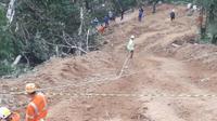 Sudah seminggu bencana longsornya area pertambangan di Desa Bakan, Kecamatan Tanoyan, Kabupaten Bolaang Mongondow, Provinsi Sulawesi Utara. (Liputan6.com/Yoseph Ikanubun)